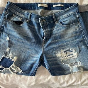 Distressed Guess jeans size 32